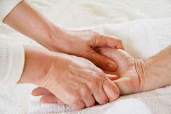 Palec trzaskający, choroba de Quervain - leczenie
